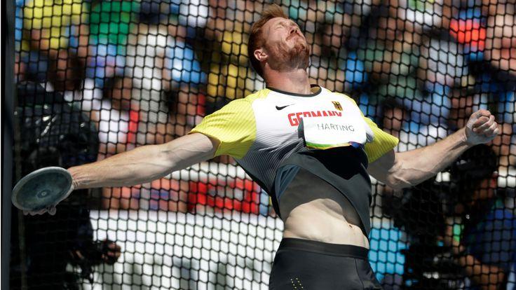 HART ABER (Christoph) HARTING Diskuswerfer Christoph Harting (26) hat bei den Olympischen Spielen für die erste Gold-Medaille der deutschen Leichtathleten gesorgt.