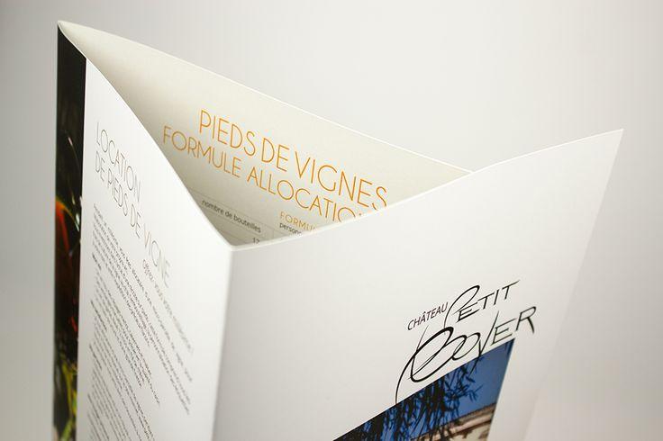 Plaquette 3 volets au format A4 / Impression quadri sur papier Couché Satiné 350gr + pelliculage recto-verso mat #carterie #quadrichromie