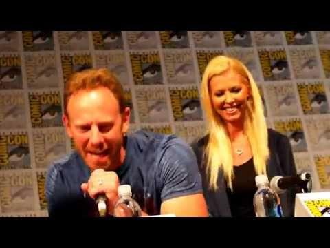 Sharknado 4 - Ian Ziering, Tara Reid - Comic Con Panel July 22, 2016