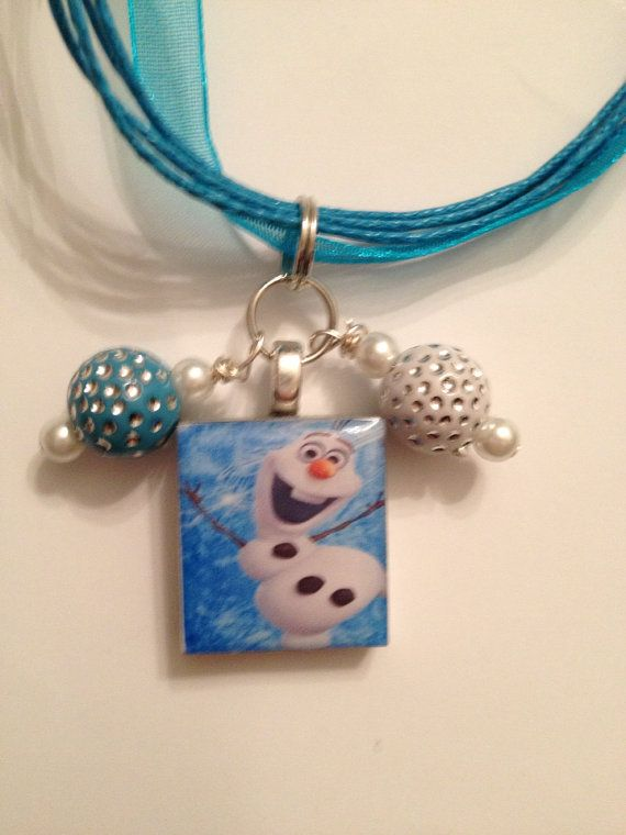 Disney's Frozen inspired necklace OLAF