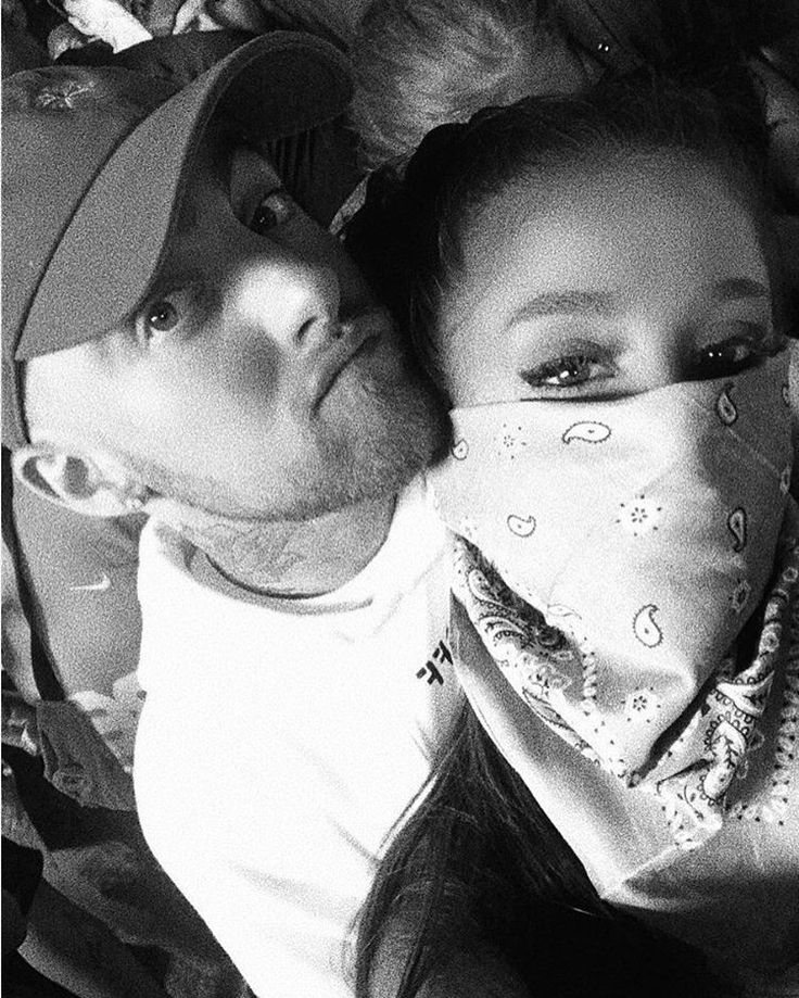 One Last Time: Ariana Grande and Boyfriend Mac Miller Cozy Up at Coachella's FinalWeekend
