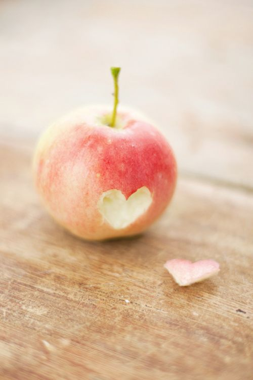 loven3.jpg: The Doctors, Valentine Day, Applesheart, Pink Weddings, Rustic Kitchens, Fine Art Photography, Health Coach, Baby Pictures, Apples Heart