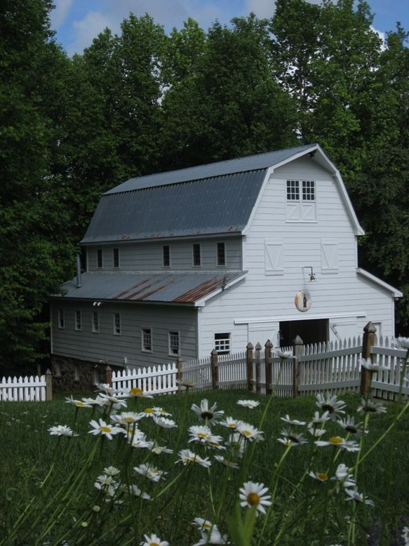 love this one: Picket Fences, Green Gables, Beautiful Barns, Farms, Boathouse, Daisies, White Barns, White Picket Fence, Old Barns