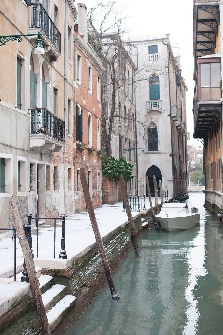 Italy. Snow in Venice