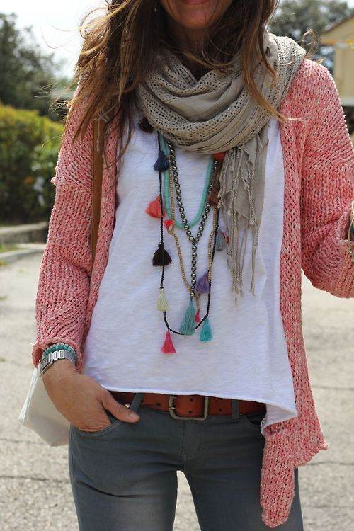 Love wearing scarfs but hate how they limit necklace options. This slouchy look is more feminine with the tassels and pink cardigan. Tassle Necklace #Bohemian