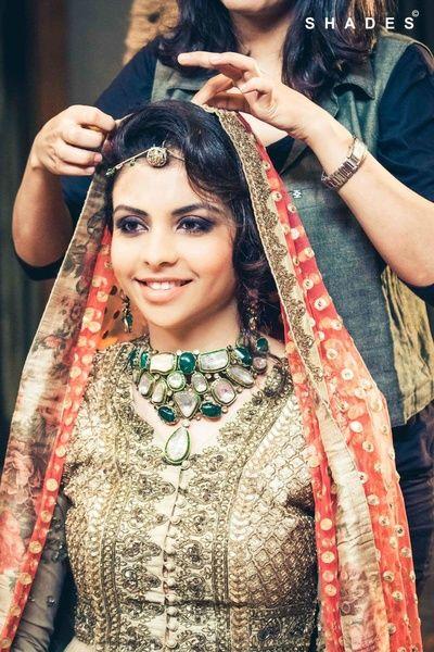 uncut diamond necklace, green necklace, chunky necklace, modern bride, sabyasachi bride