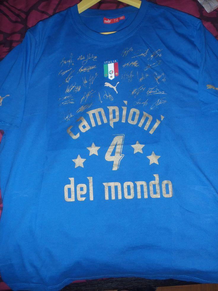 ITALY F.C. SIGNATURES MUNDIAL (PUMA SHOP KIFISIA 4-8-2006)