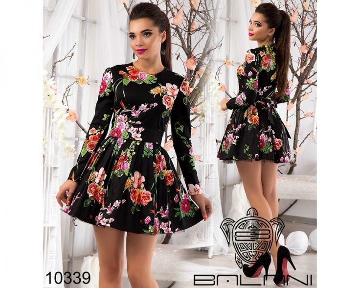 Очаровательное платье с пышной фатиновой юбкой черный /принт оранжевые крупные розы