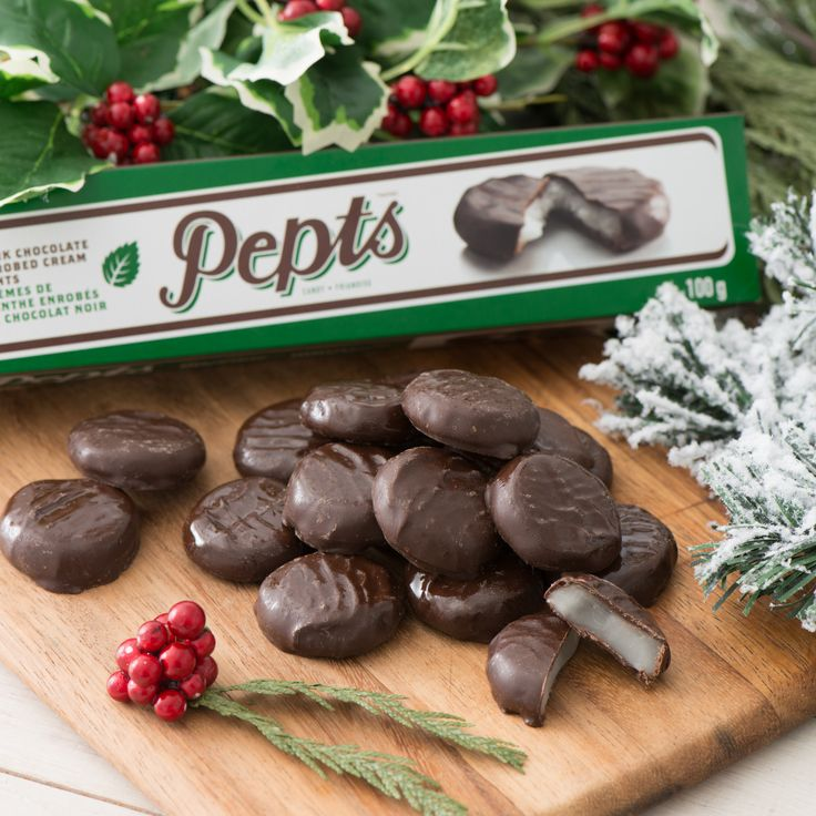 Make your holiday party the star of the show with our Delecto Peppermint Creams! #chocolatelove #giftguide2017 #giftsforher #giftsforhim #gifting #giftideas #holidays #christmas