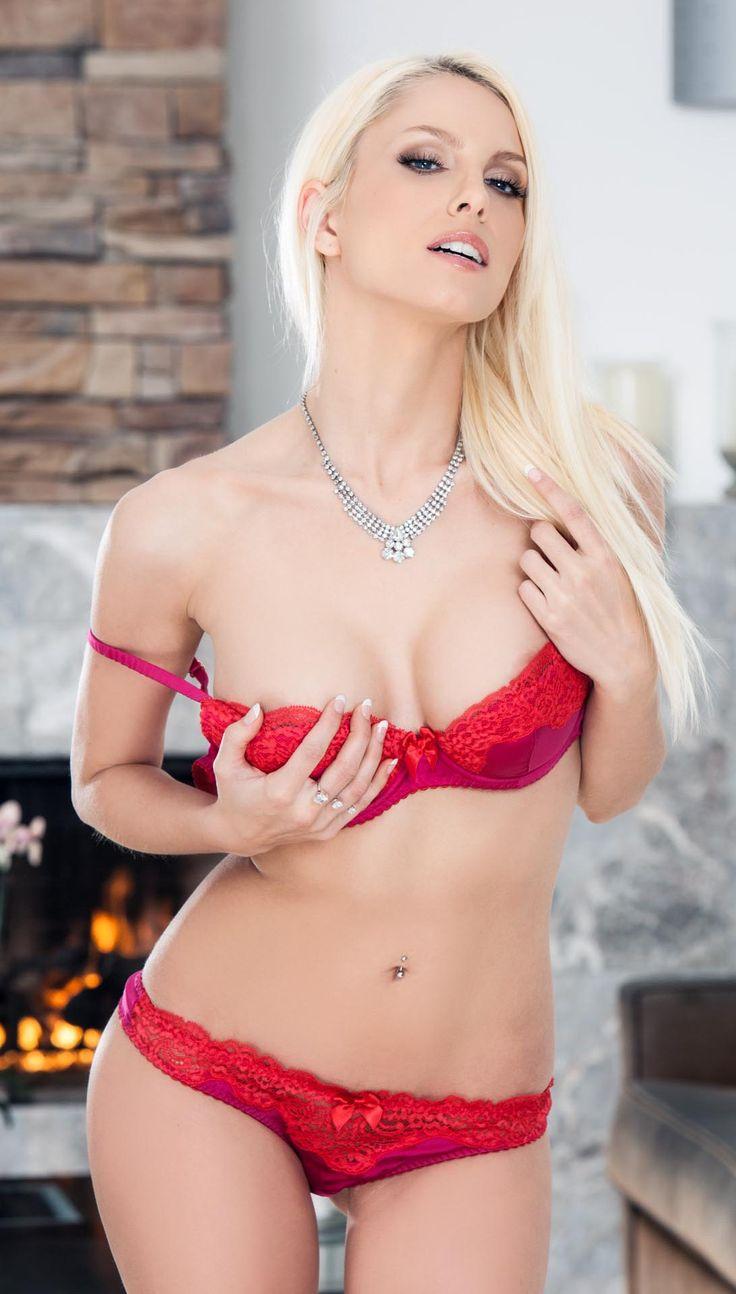 Kyara Tyler Nude Photos 29