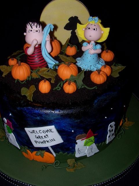 The Great Pumpkin Charlie Brown Cake