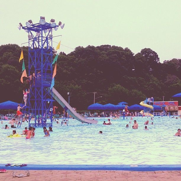 Coney Island In Cincinnati Oh Has One Of The Largest Swimming Pools In The World Located