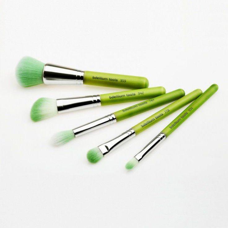 bdellium tools Green Bambu Mineral Zestaw 5 pędzli do makijażu mineralnego | PĘDZLE I AKCESORIA \ Zestawy pędzli |