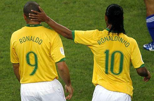 Football - Ronaldo, Ronaldinho