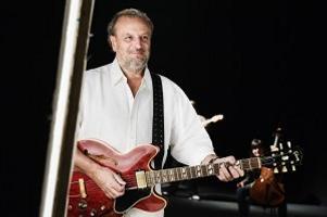 Fossati, tour d'Italia inseguendo l'ultimo concerto