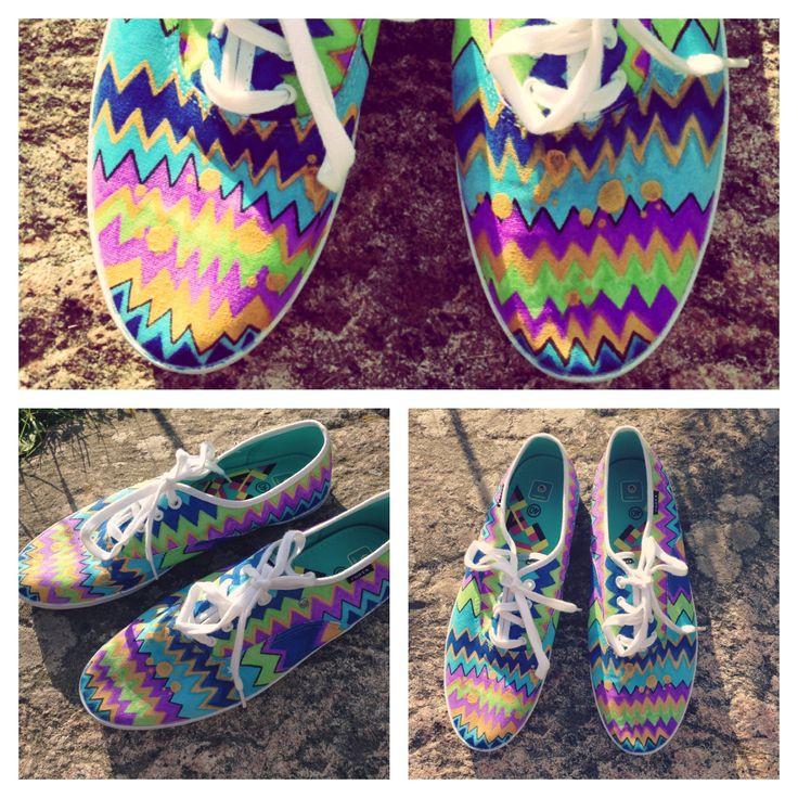 Pin by elizabeth foskey on craft ideas pinterest for Diy shoes design