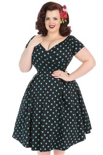 Lady Voluptuous is the UK's first dedicated Plus Size Vintage Clothing label and is proud to be Made in London, England. Lady Voluptuous was created in collaboration with Georgina Horne, from the blog Fuller Figure Fuller Bust.