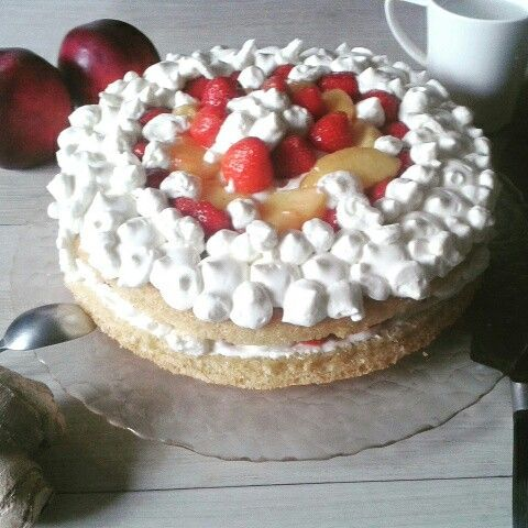 sponge cake and fruits