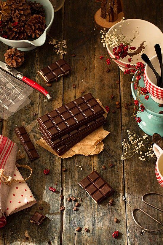 Descúbre los moldes tableta de chocolate y prepara este delicioso turrón con sabor a tiramisú. La última moda para estas navidades.