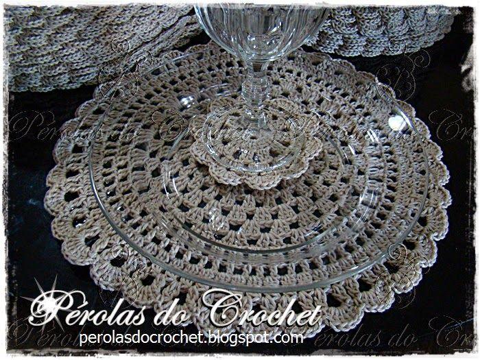 * Pérolas do Crochet: Sousplat em crochet para um jantar de casamento!