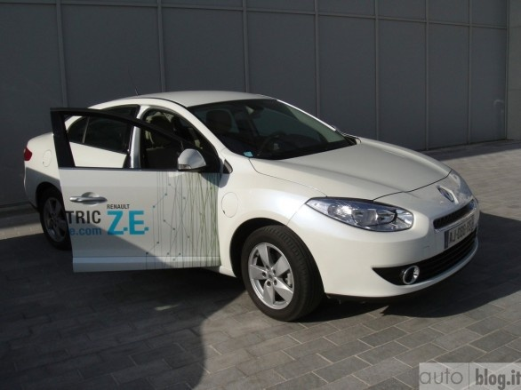 Renault Fluence ZE: Electric Vehicles, Renault Fluence, Fluence Ze, Green Cars, Electric Cars