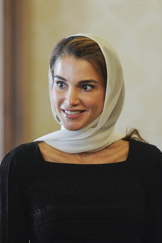 Queen Rania of Jordan at the Vatican on 29 Aug 2013