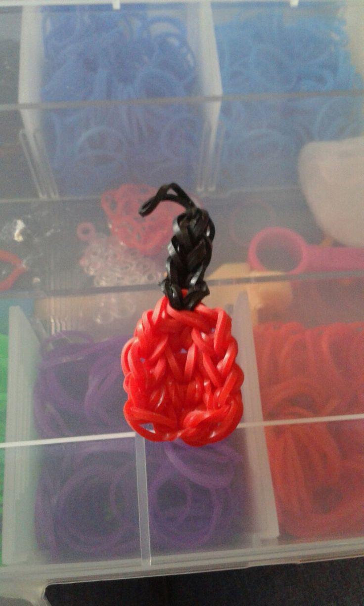 Piros körömlakk-gumibol