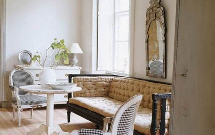 Enticing Traditional Home Interior Design Ideas With Classic Sofa With Round Table And Mirror On The Wall With Classic Chairs Interior Design Furniture Represents Your Personality Furniture