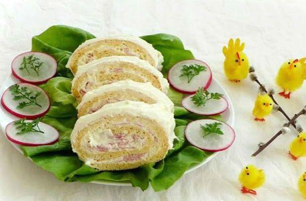 Sajtkrémes-sonkás tésztatekercs