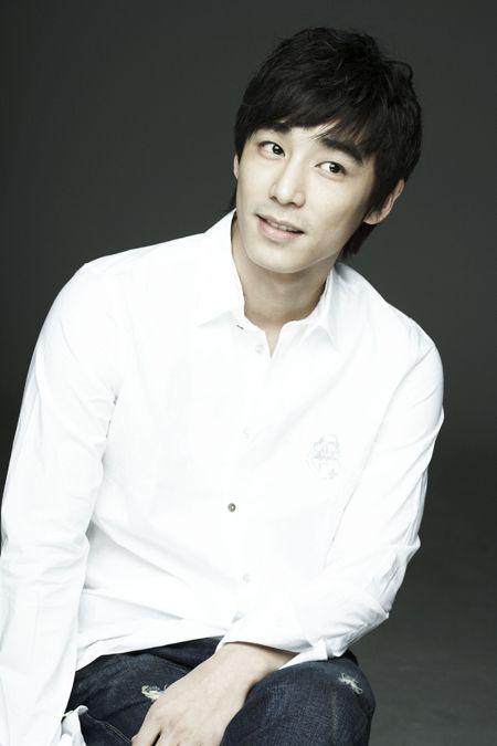 Jin Yi Han Childhood |