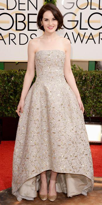 Michelle Dockery at the Golden Globes. Isn't she lovely? Isn't she elegant?