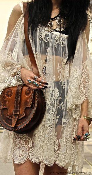 #Boho Style - #bolsas podem ser facilmente encontradas em brechós e ajudam a compor o look boho.
