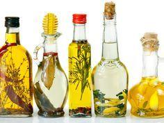 Je kan erg makkelijk extra aroma toevoegen aan olijfolie. Zo worden je salades echte smaakbommen! Dit heb je nodig glazen fles of bokaal smaakmakers naar keuze (citroenschil, sinaasappelschil, tijm, salie,…) olijfolie Aan de slag Stop de smaakmaker in de glazenfles Hoe meer je gebruikt, hoe sterker de smaak zal zijn. Vul de fles met de … Continued