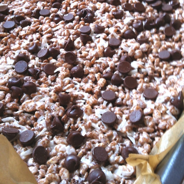 Coconut chocolate rice krispies treats | Food and Drinks | Pinterest
