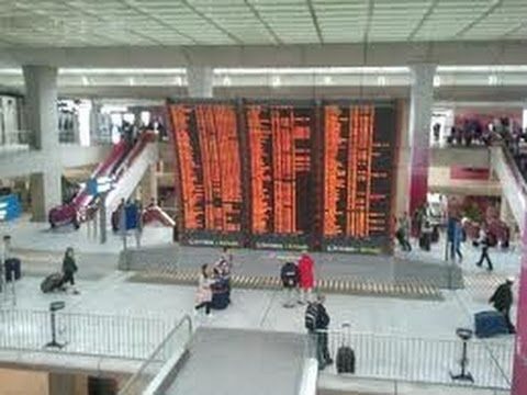 Online French Lessons:  Arriving at the Airport in Paris