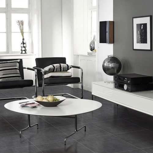 Living con porcelanato negro buscar con google casa - Como limpiar piso negro ...