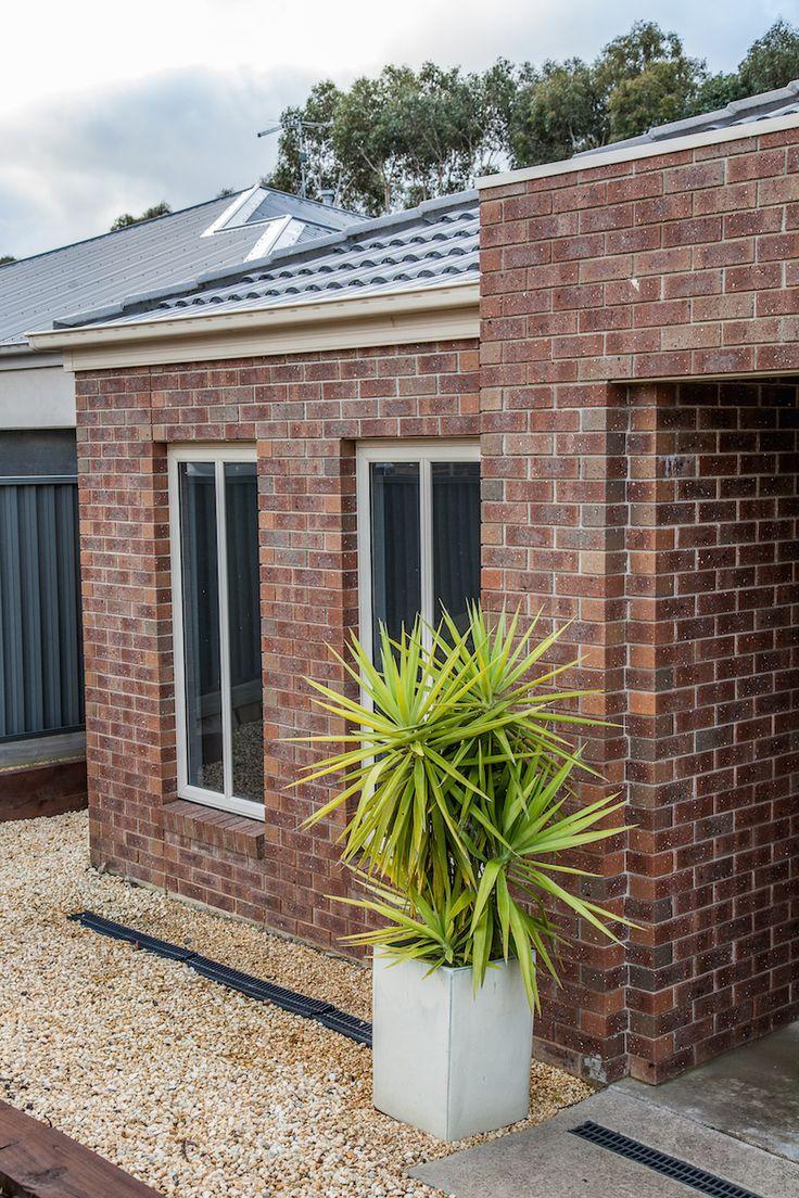 Extruded Bricks : Ironstone