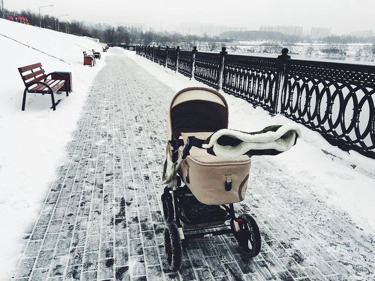 White landscapes   #snow #winter #goodmorning #white #snowy #stroll #stroller #pushchair #kinderwagen #baby #babyproducts #motherhood #mommylife #concord #concordneo #repost