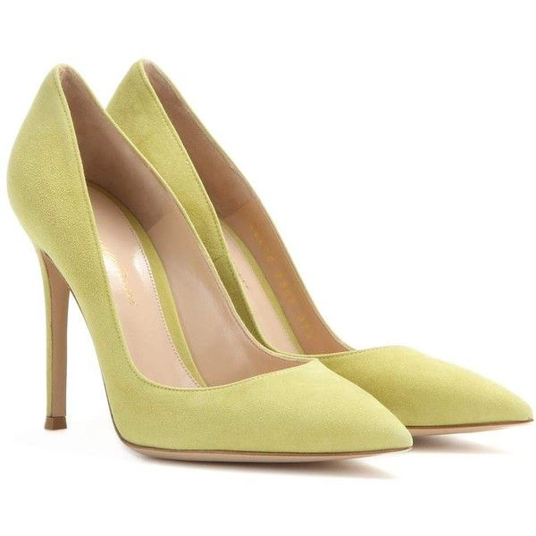 Gianvito Rossi Suede Pumps ($490) ❤ liked on Polyvore featuring shoes, pumps, heels, green, heels & pumps, suede shoes, suede pumps, green heel shoes and green shoes
