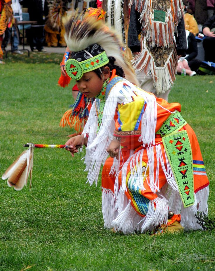 an overview of the popular sioux grass dance A major talent debuts with this beguiling novel whose characters are dakota sioux and their spirit ancestors covering some of the same themes as louise.