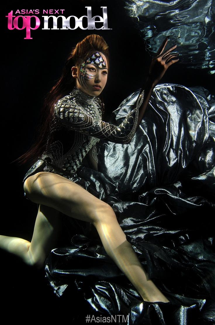 Eps. 9 Underwater Couture Mermaids - Kate
