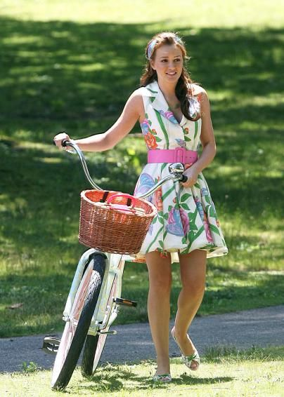 i wanna be the girl that rides around on that bike in a dress