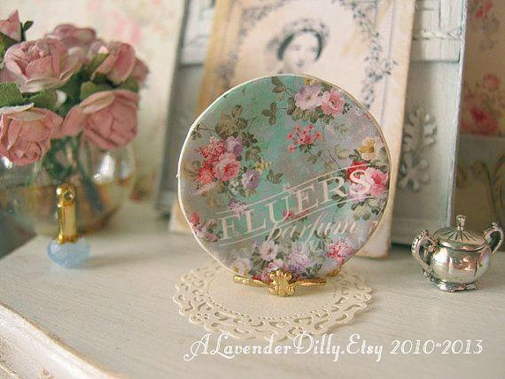 Flower Elegance in Green Plate for Dollhouse by ALavenderDilly