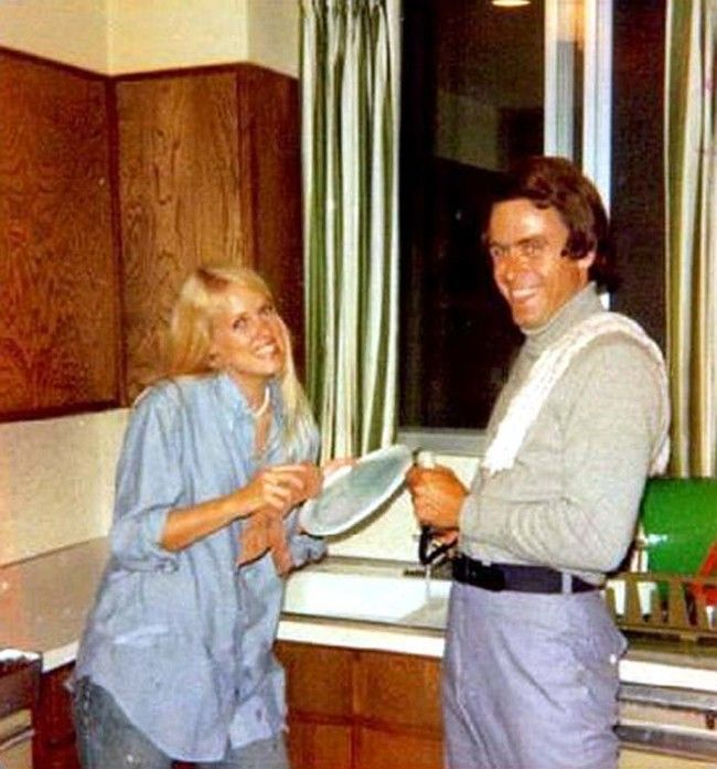 You'd Never Know That Ted Bundy Was A Serial Killer By Looking At These Pictures