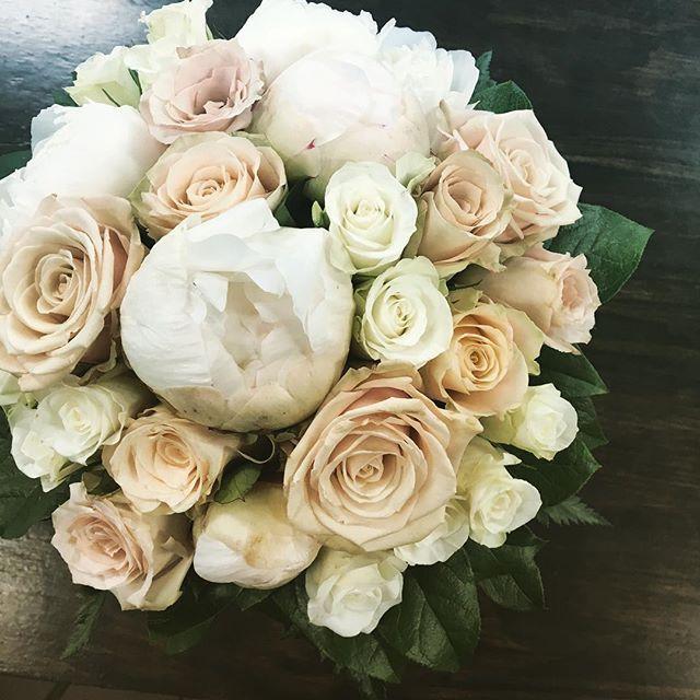 #weddingbouquet #rose #paeonia  #champagne