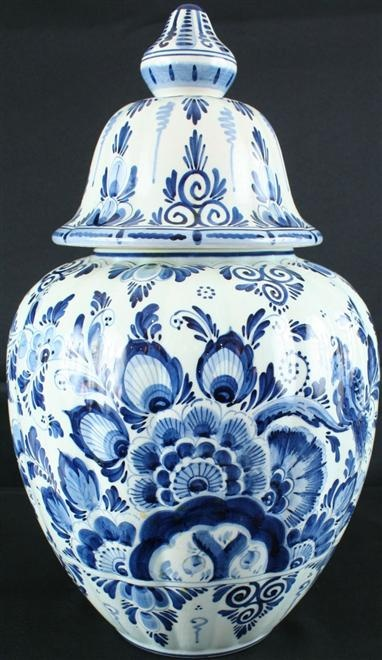 Delft ginger jar