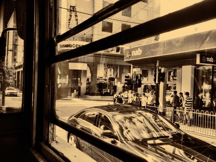 Modern & Vintage in slight discord at Chapel/Toorak, South Yarra