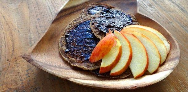 Glutenvrije boekweitpannenkoekjes met appel. Recept op de website!