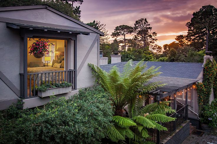 Take a moment and look through all the photos of our Carmel bed and breakfast. We offer the finest getaway in Northern California!