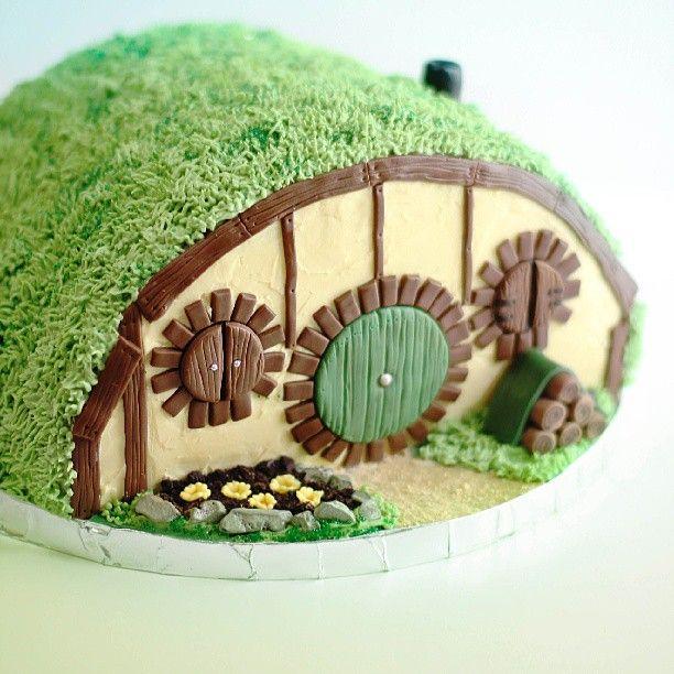 Hobbit Hole Cake